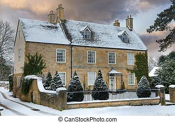 Cotswold a casa con nieve