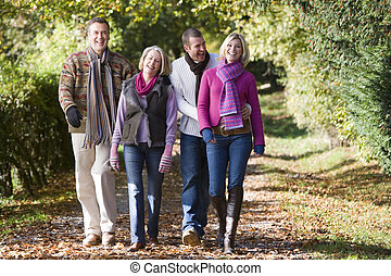 crecido, niños, padres, arriba, caminata