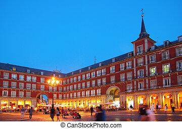 cuadrado, madrid, alcalde de la plaza, españa, típico