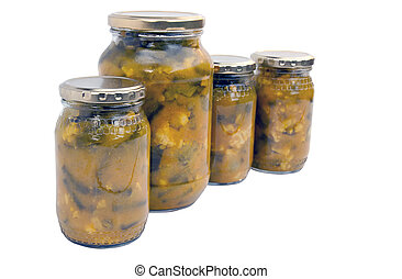 Cuatro frascos aislados de piccalilli casero