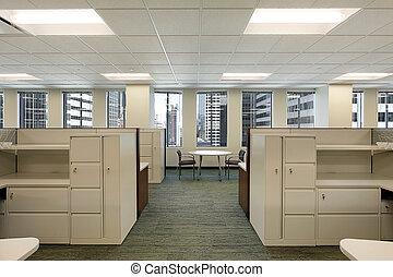 Cubículos en el edificio de oficinas del centro