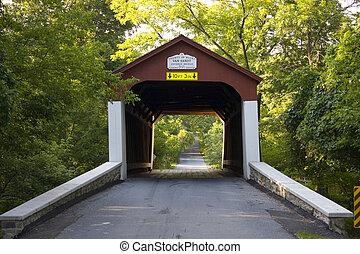 Cubierto de puente en el condado de los pavos