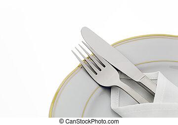 Cuchillo, tenedor y plato