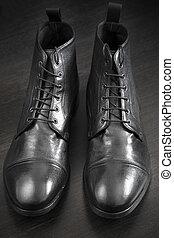 cuero, botas