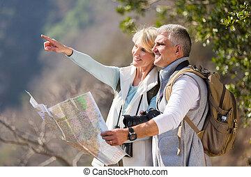 cumbre, edad, excursionistas, medio