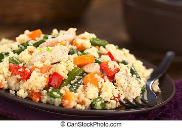 Cuscús con pollo, judías verdes, zanahoria y pimienta de campana