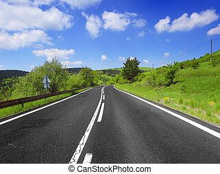 Día de verano y carretera