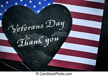 Día de veteranos de texto, gracias y la bandera de los Estados Unidos