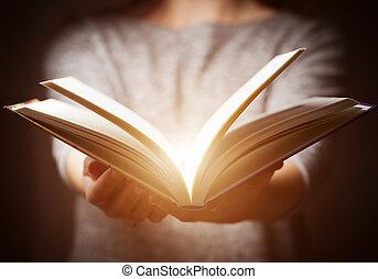 dar, libro, venida, mujer, gesto, manos, luz