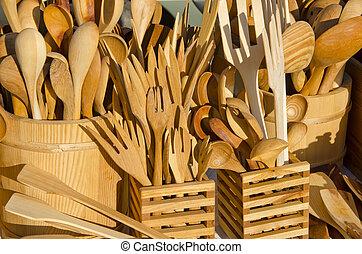 de madera, hechaa mano, cubertería