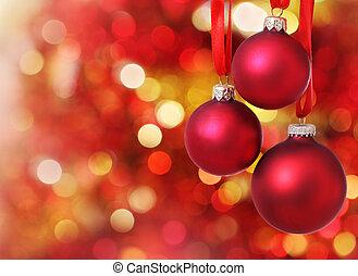 Decoraciones de árbol de Navidad en el fondo de las luces