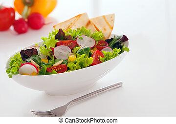 Deliciosos bocadillos de verano de ensalada fresca