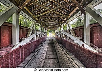 Dentro de Glessner cubrió el puente