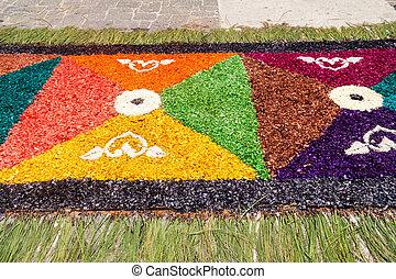 Destacamento de alfombras decorativas de Pascua en la ciudad guatemala de Antigua, guatemal