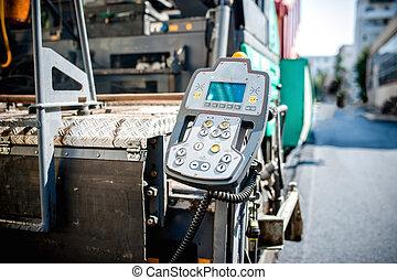 Destacamento de operaciones y centro de comandancia en asfalto industrial