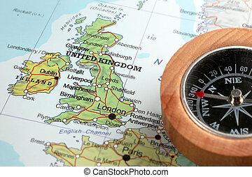 Destino de viaje Reino Unido e Irlanda, mapa con brújula