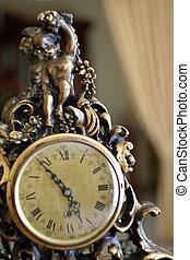 Detalle de un reloj viejo