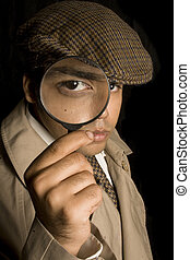 Detective buscando pistas