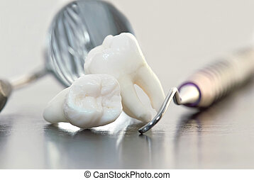 Dientes e instrumentos dentales