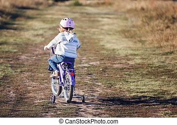 divertido, entrenamiento, bicicleta, pequeño, equitación, wheels., niño