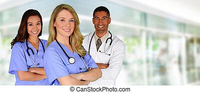 Doctor y enfermeras