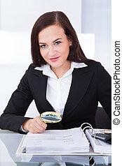documentos, financiero, auditor, escudriñar