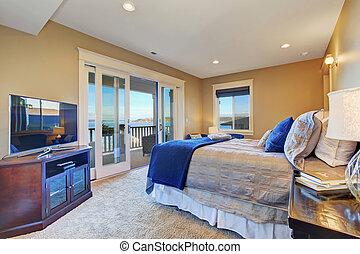 Dormitorio principal con plataforma de salida