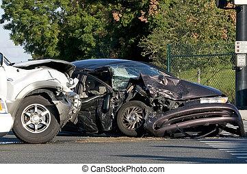 Dos accidentes en una intersección ocupada
