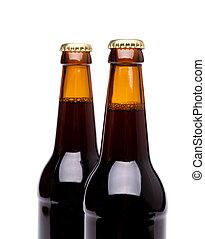 Dos botellas de cerveza en blanco