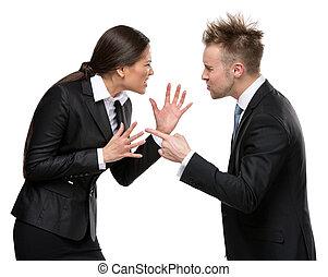 Dos personas de negocios debaten