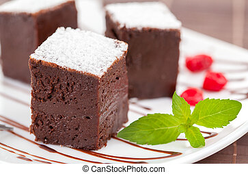 Dulces brownies o pasteles de chocolate