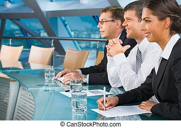 Durante una conferencia