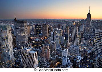 edificio, ciudad, with., aéreo, panorama, contorno, estado, ocaso, york, nuevo, imperio, manhattan, vista