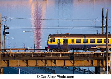eléctrico, daugava, encima, paso, tren, puente, riga