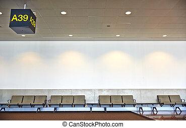 El aeropuerto espera.