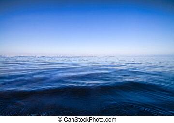 El agua azul es un fondo abstracto