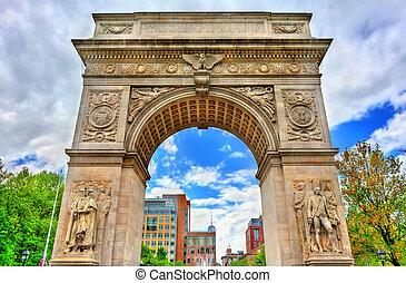 El arco de la plaza Washington, un arco triunfal de mármol en Manhattan, Nueva York