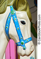 El caballo carrusel se acerca