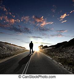 el caminar lejos, por, amanecer, camino, hombre