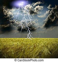 El campo de trigo y la tormenta con relámpagos