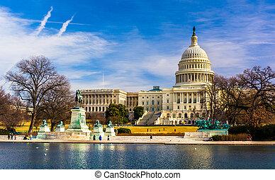 El capitolio y la piscina reflectante en Washington, DC.