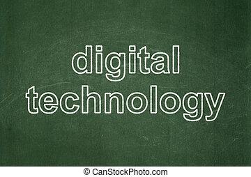 El concepto de información: tecnología digital en fondo de pizarra
