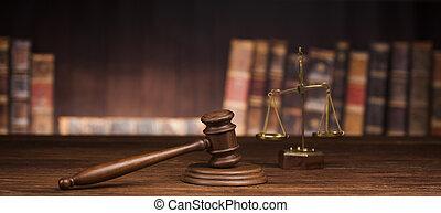 El concepto de ley y justicia, fondo de madera marrón