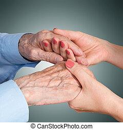 El cuidado está en casa de los ancianos