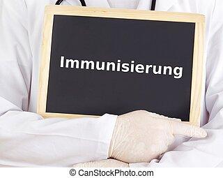 El doctor muestra información: Inmunización