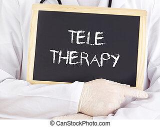 El doctor muestra información: teleterapia