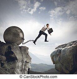 El empresario salta el obstáculo