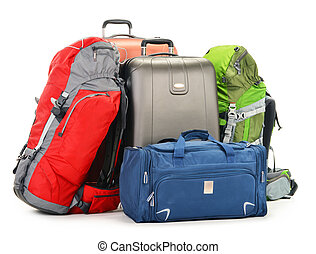 El equipaje consiste en maletas grandes mochila y bolso de viaje