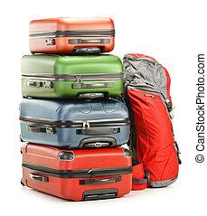El equipaje consiste en maletas grandes y mochilas