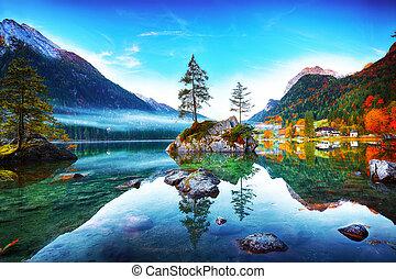 El fantástico amanecer otoñal del lago Hintersee